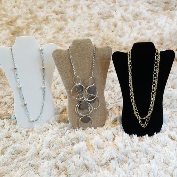 unbranded Jewelry - Set of 3 necklaces